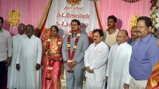 GREETING THE WEDDING COUPLE AT DR.XAVIER'S RESIDENCE, KARAIKUDI (1)