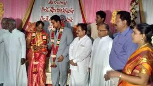 GREETING THE WEDDING COUPLE AT DR.XAVIER'S RESIDENCE, KARAIKUDI