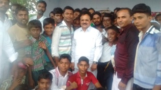 SELFI WITH ARASANOOR YOUTH